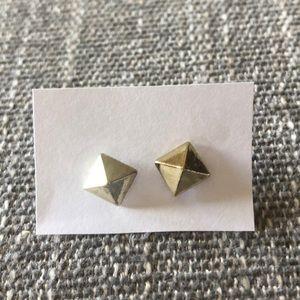 NWOT Anthropologie gold pyramid stud earrings